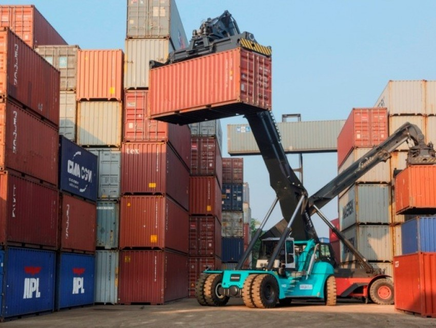 Konecranes sells first lift trucks news image