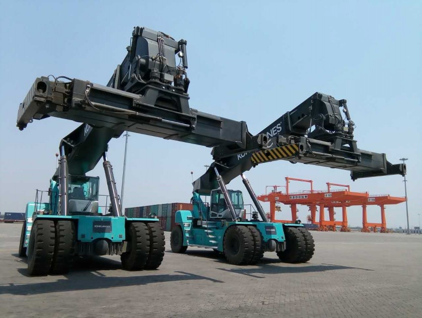 China railway new reach stacker news image