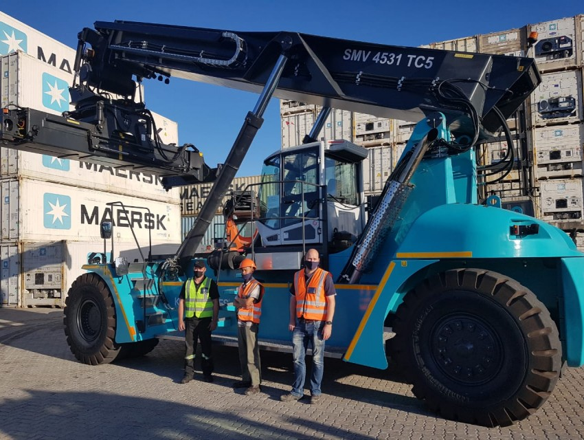 Konecranes delivers the first Flow Drive reach stacker to Africa_image