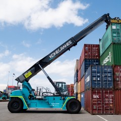 Konecranes reach stacker with Flow Drive_