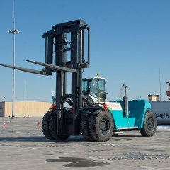 Konecranes supplies the biggest forklift ever in China_image_truck